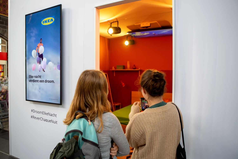 Panneau En Liège Ikea rêver dans la gare ensemble avec ikea - pub