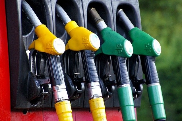 Économiser de l'argent avec les cartes carburants