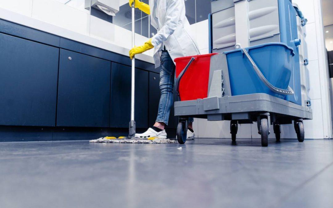 ERP à Paris : à quelle fréquence nettoyer les sanitaires ?
