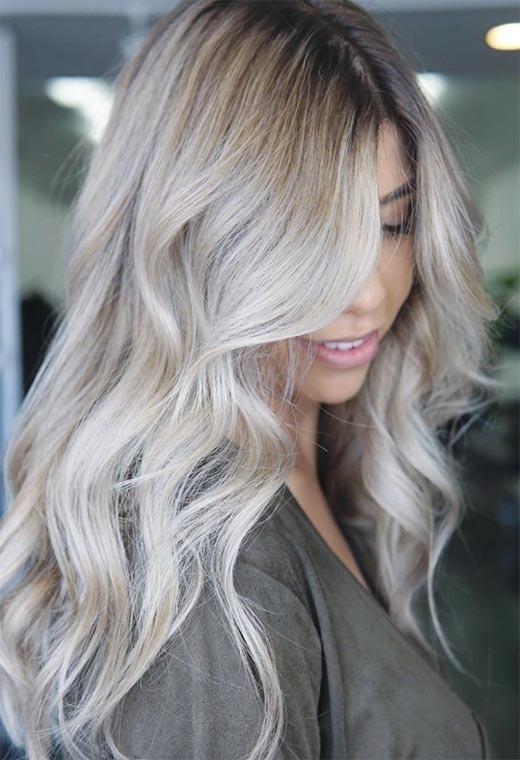 jeune femme blond cendré