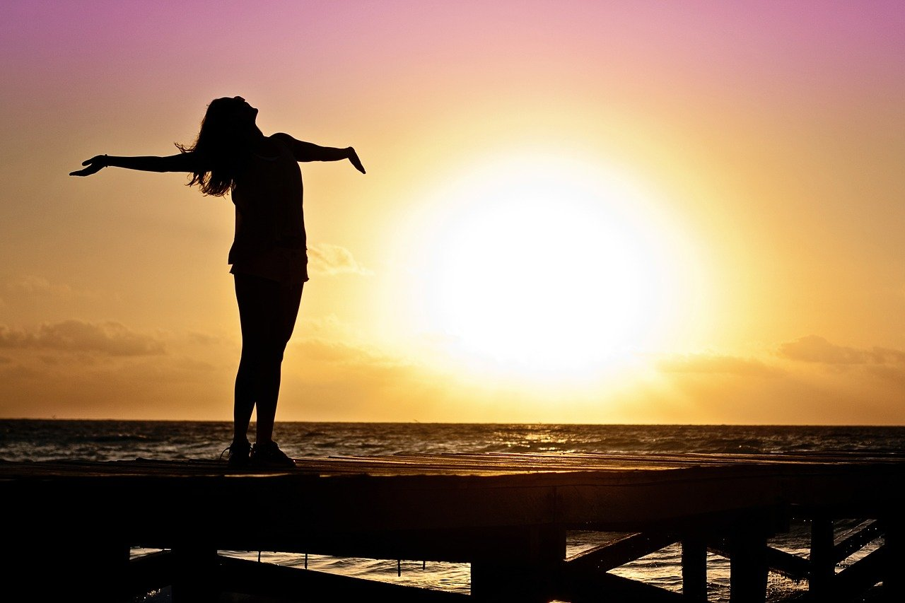 Les_7_habitudes_des_femmes_qui_réussissent_financièrement