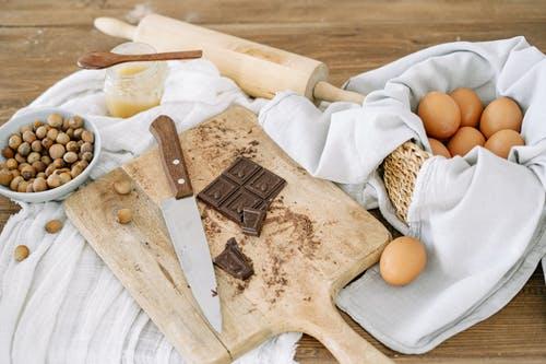 9_recettes_follement_délicieuses_(et_saines)_à_base_de_poudre_de_cacao