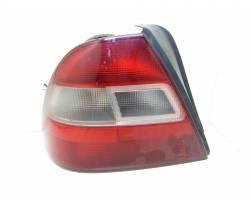 STOP FANALE POSTERIORE SINISTRO LATO GUIDA HONDA Civic Berlina 5P (95>01) 1400 Benzina  (2000) RICAMBI USATI