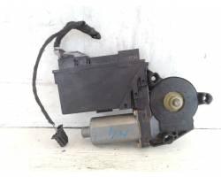 Motorino Alzavetro anteriore Sinistro AUDI A4 Avant (8E)