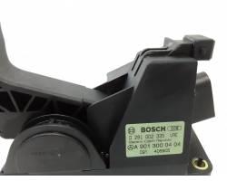 0281002335 PEDALE ACCELERATORE MERCEDES Sprinter 2° Serie 2200 Diesel  (2001) RICAMBI USATI