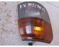 Freccia fanalino ant DX lato passeggero MITSUBISHI Pajero 2° Serie