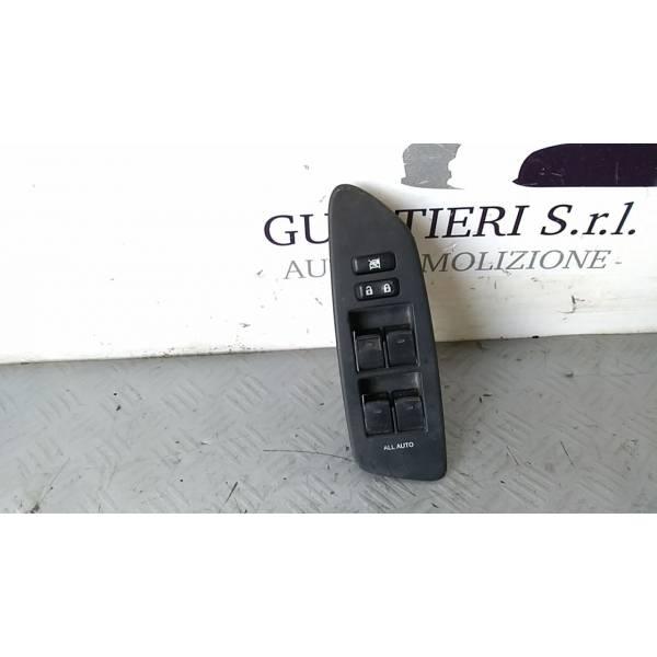 8404002080 PULSANTIERA ANTERIORE SINISTRA GUIDA TOYOTA Auris 2° Serie 1800 Hybrid 2ZRFXE (2011) RICAMBI USATI