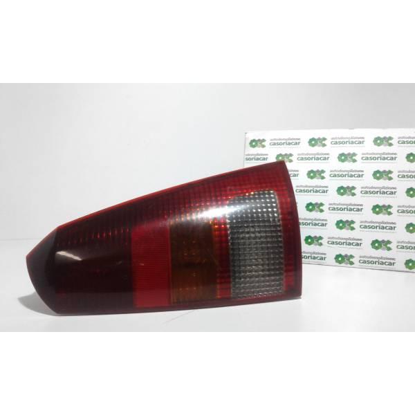 STOP FANALE POSTERIORE DESTRO PASSEGGERO FORD Focus S. Wagon 1° Serie Diesel (2001) RICAMBI USATI