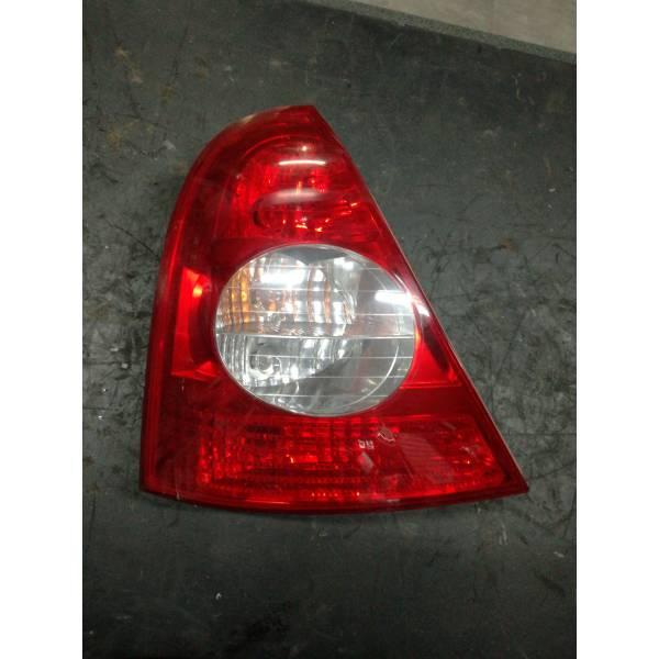 0001000202 STOP FANALE POSTERIORE SINISTRO LATO GUIDA RENAULT Clio Serie (01>05) Benzina (2003) RICAMBI USATI