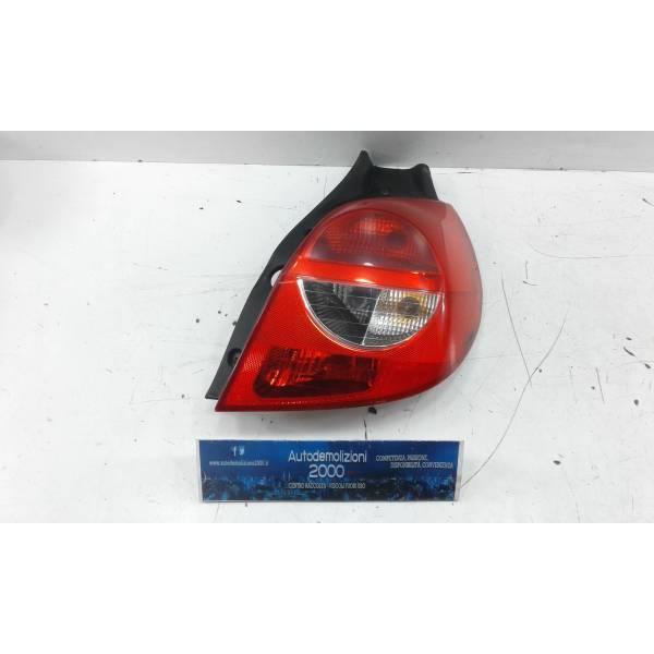 STOP FANALE POSTERIORE DESTRO PASSEGGERO RENAULT Clio Serie (04>08) Benzina (2007) RICAMBI USATI