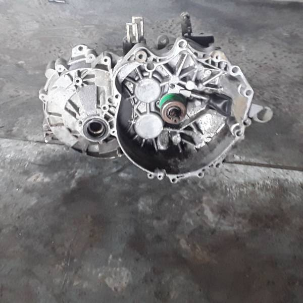 CAMBIO MANUALE COMPLETO VOLVO V70 2° Serie 2500 Diesel RICAMBI USATI