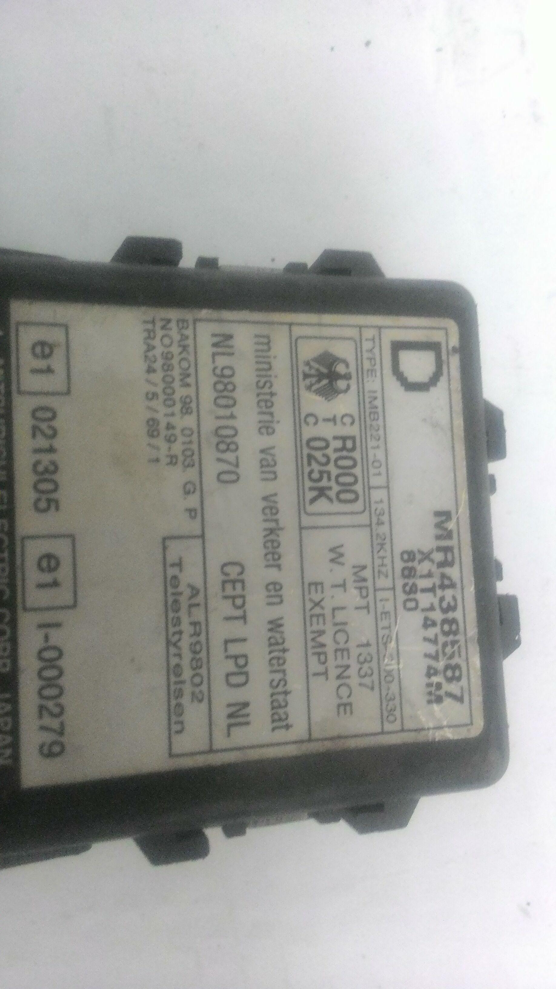 Mr438587 CENTRALINA ALLARME MITSUBISHI Pajero Sport  Diesel    (2001) RICAMBI USATI