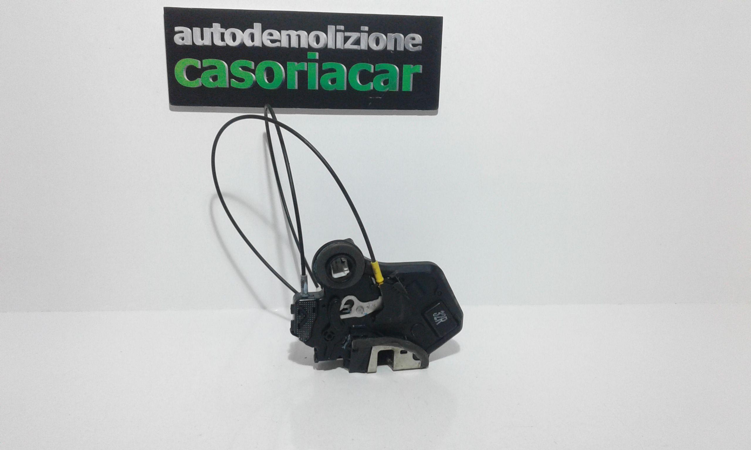 SERRATURA POSTERIORE DESTRA TOYOTA Corolla Berlina 3° Serie 3-5P  Benzina    (2004) RICAMBI USATI