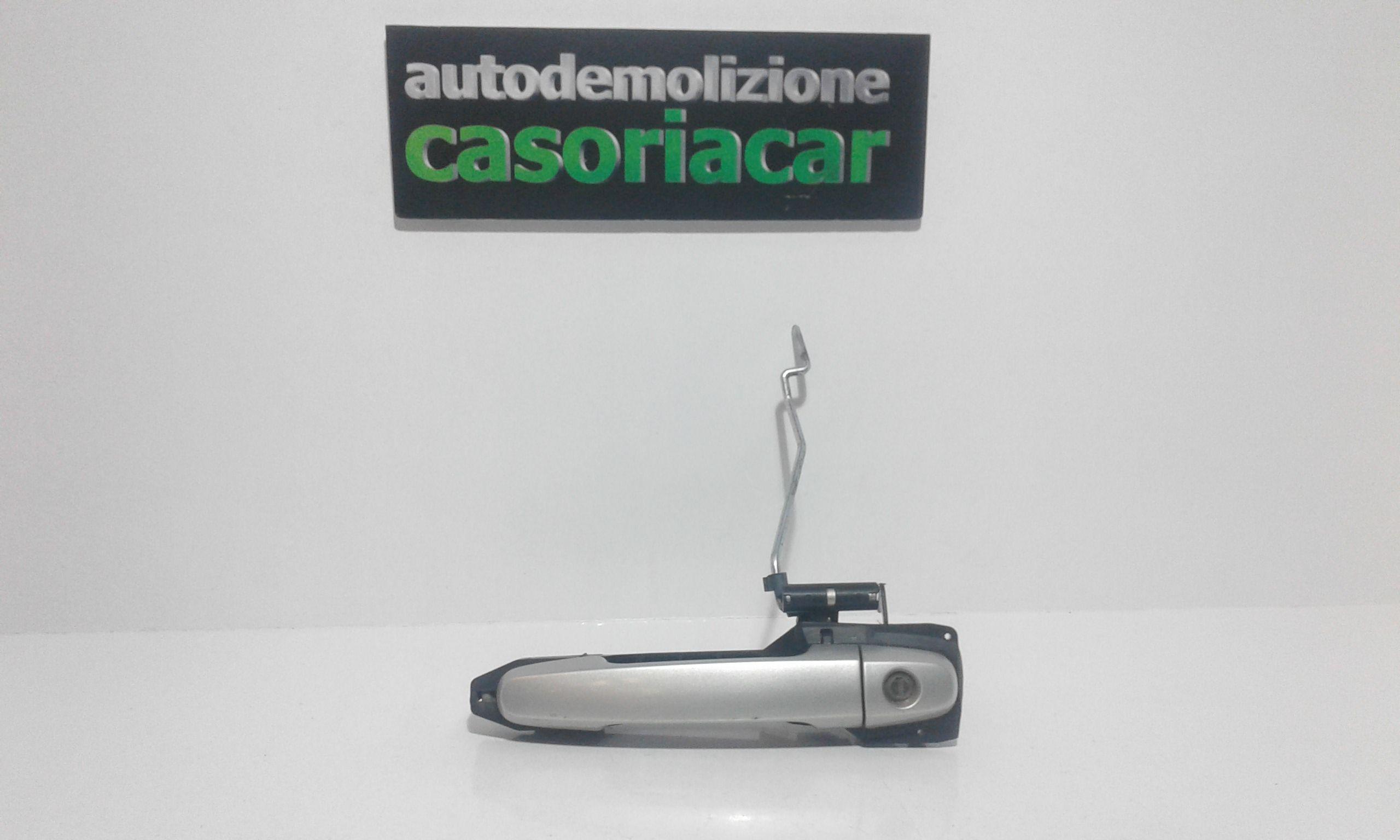 MANIGLIA ESTERNA ANTERIORE SINISTRA TOYOTA Corolla Berlina 3° Serie 3-5P  Benzina    (2004) RICAMBI USATI