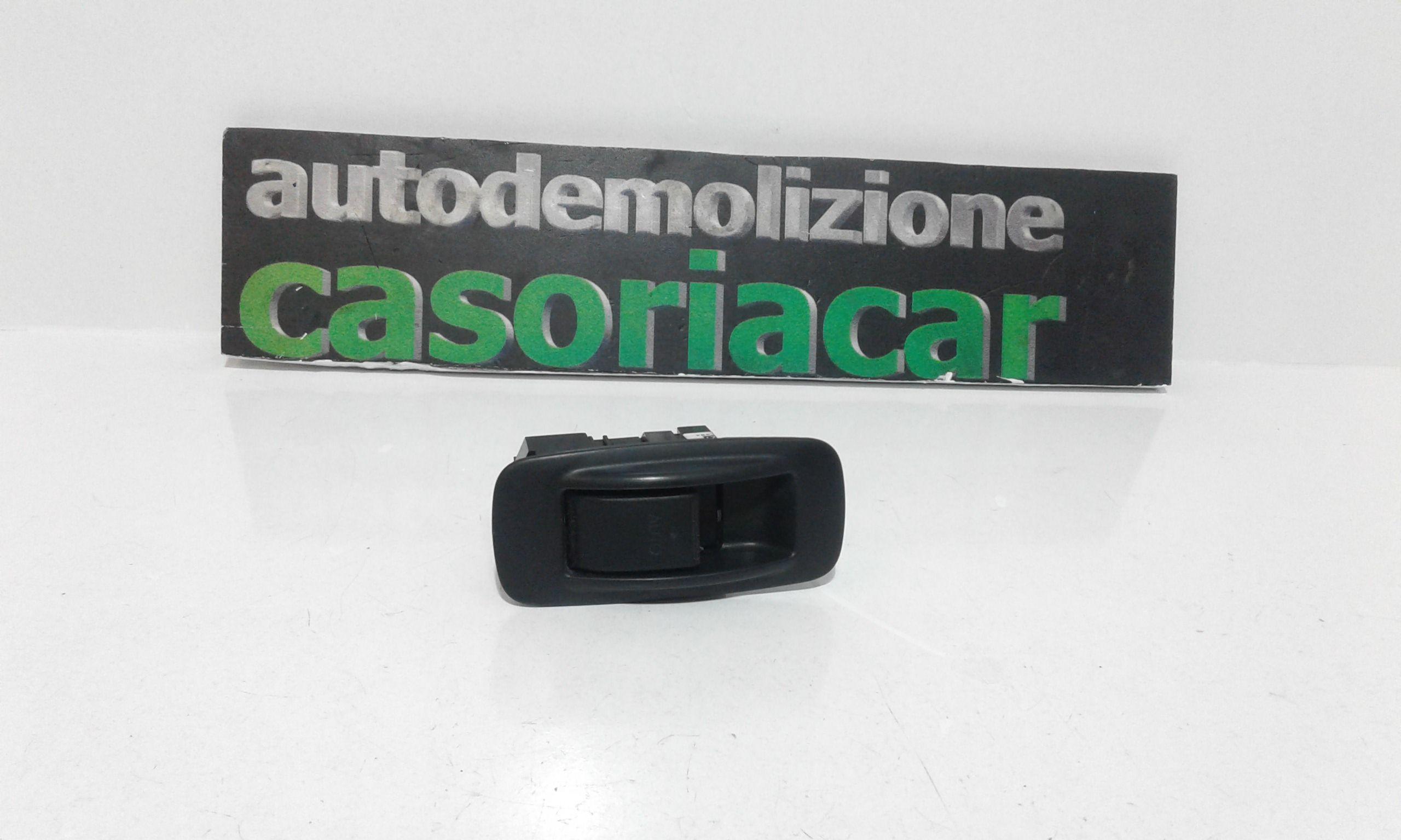 PULSANTIERA POSTERIORE DESTRA TOYOTA Corolla Berlina 3° Serie 3-5P Benzina  (2004) RICAMBI USATI