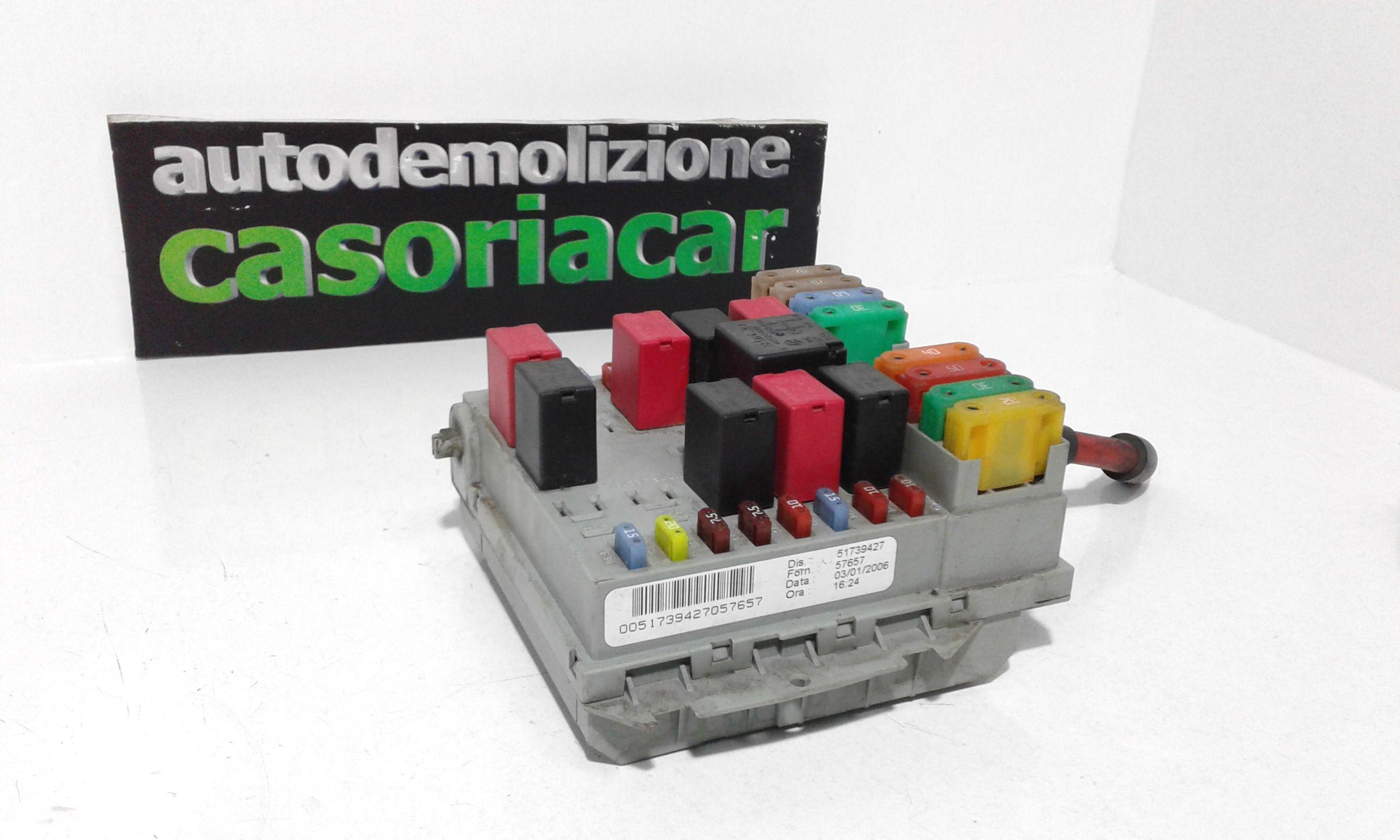 51739527 CENTRALINA PORTA FUSIBILI FIAT Idea 2° Serie 1300 Diesel  (2007) RICAMBI USATI