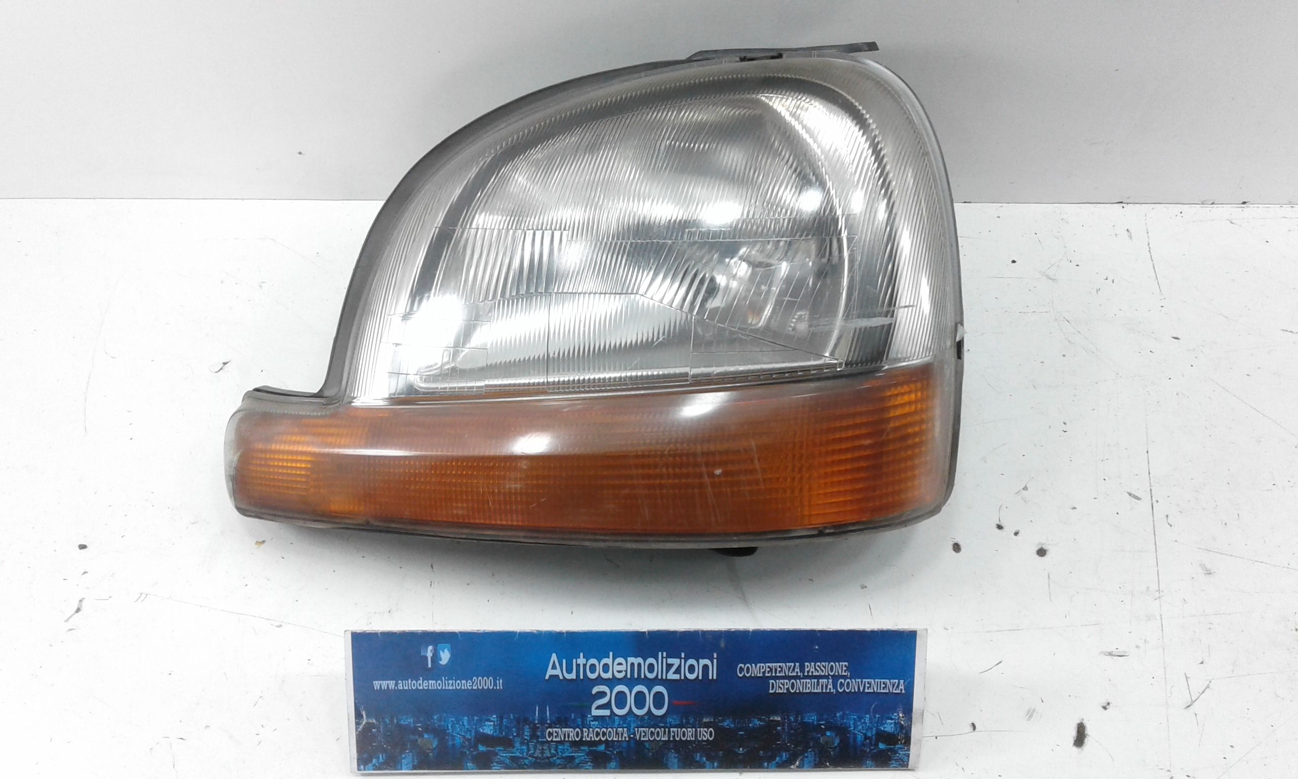 FARO ANTERIORE SINISTRO GUIDA RENAULT Kangoo 1° Serie Benzina  (2000) RICAMBI USATI