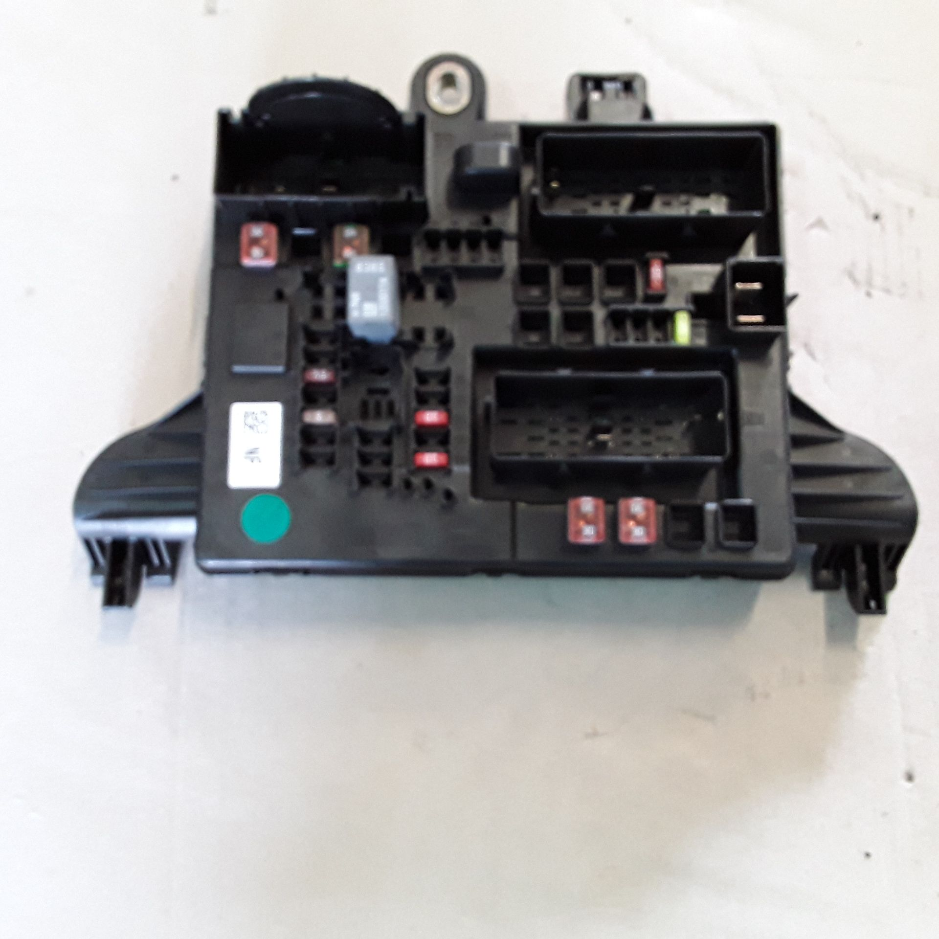 13277322 BOX CONTENITORE PORTA FUSIBILI OPEL Insignia S. Wagon 2000 Diesel    (2010) RICAMBI USATI