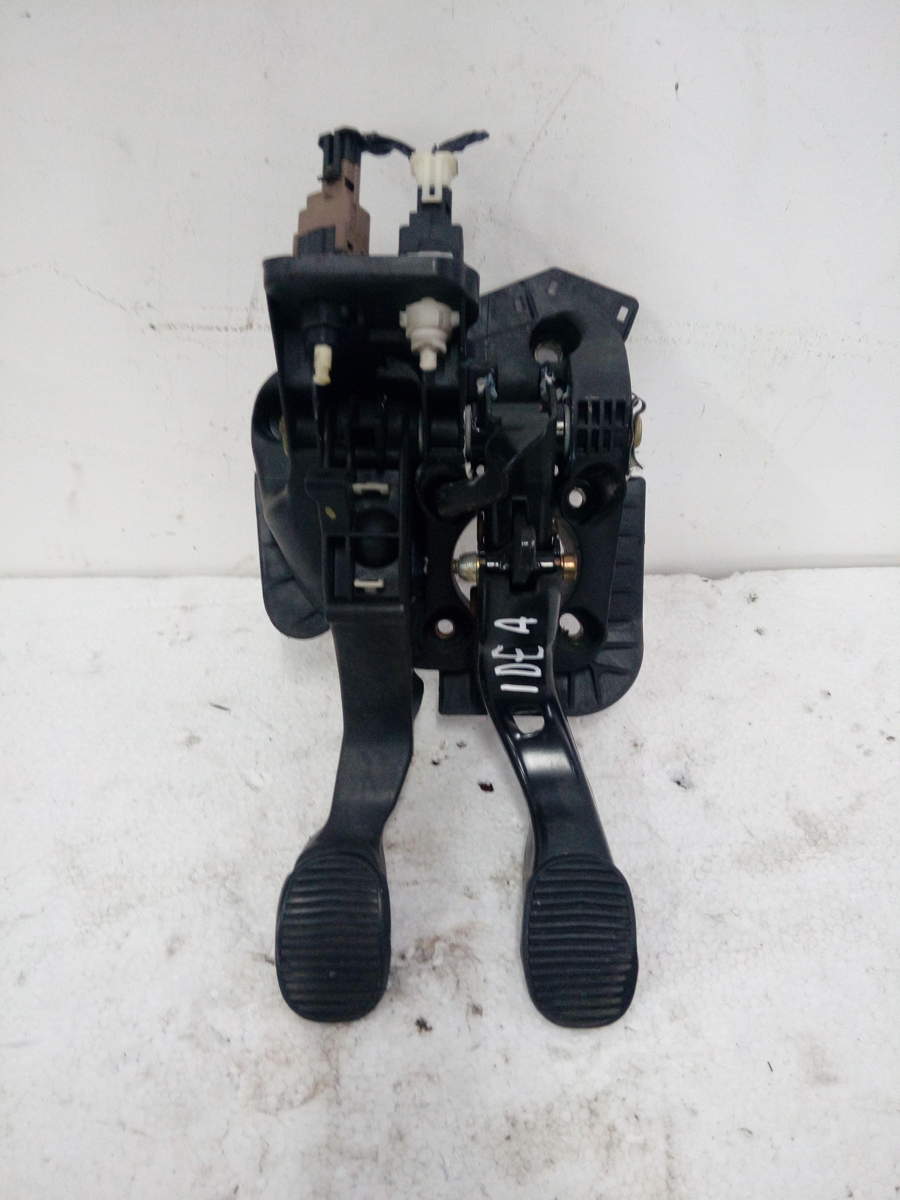 PEDALIERA FRENO + FRIZIONE FIAT Idea 1° Serie 1300 Diesel    (2004) RICAMBI USATI