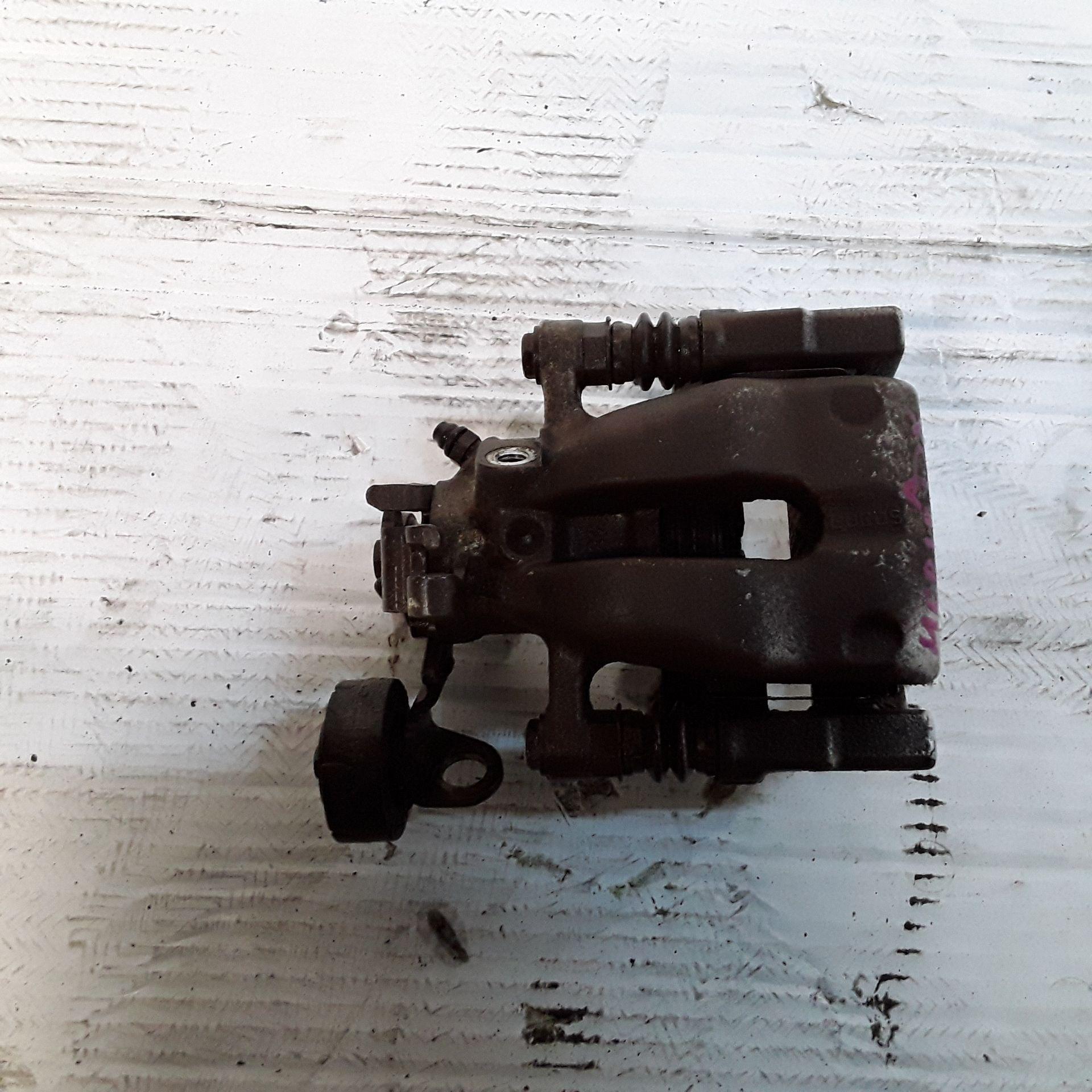 PINZA FRENO POSTERIORE DESTRA OPEL Meriva 2° Serie 1700 Diesel (2006) RICAMBI USATI