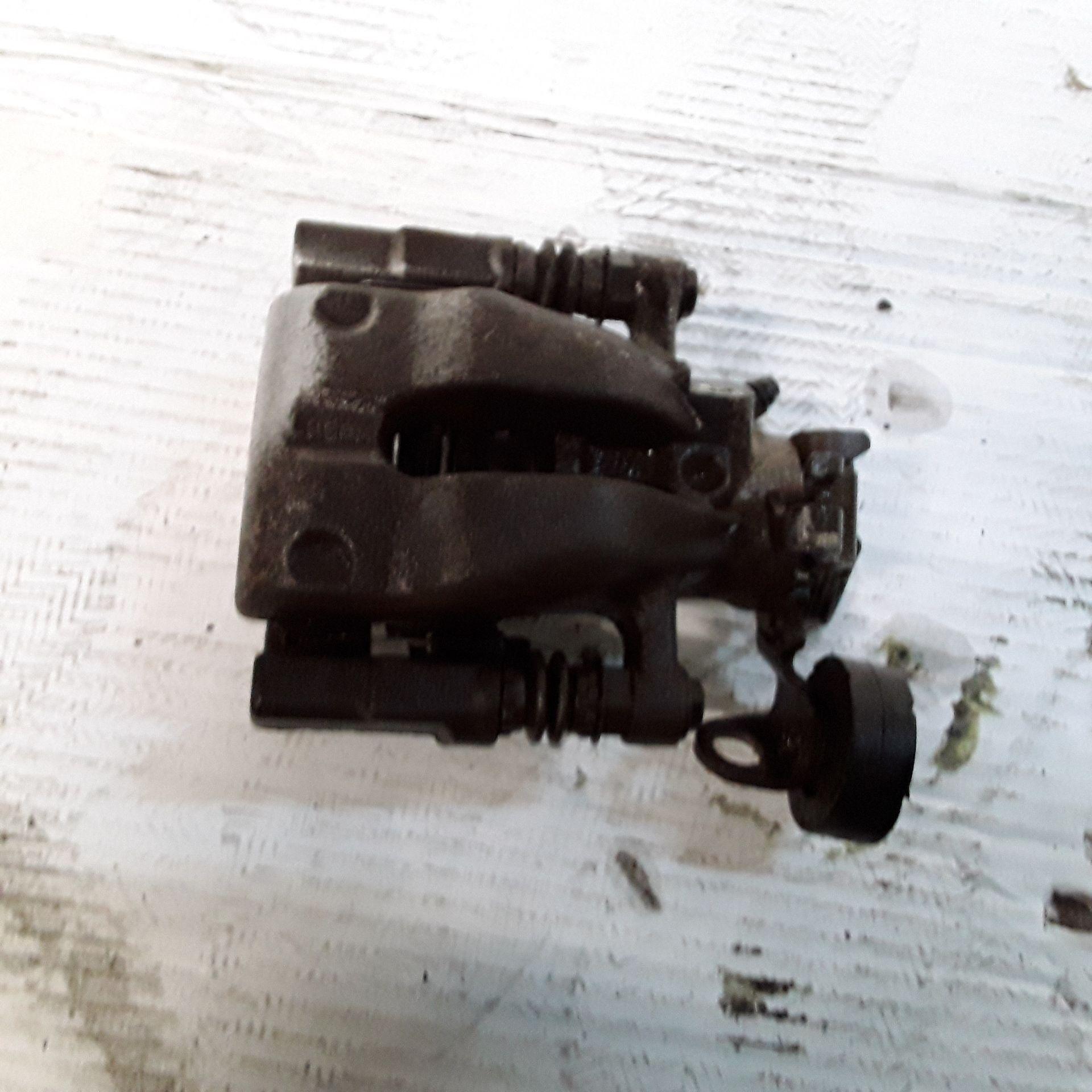 PINZA FRENO POSTERIORE SINISTRA OPEL Meriva 2° Serie 1700 Diesel (2006) RICAMBI USATI