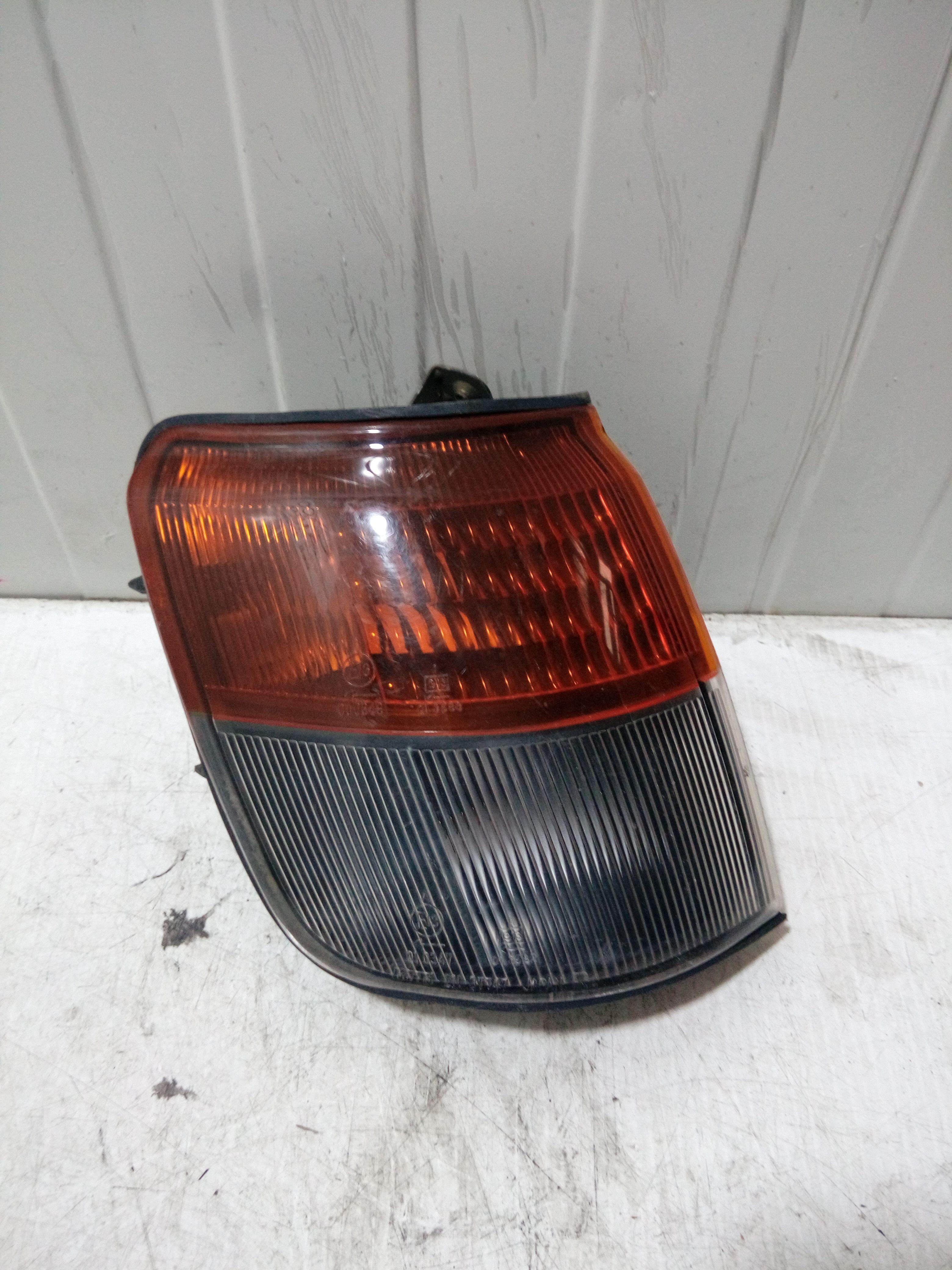 21037746 FRECCIA DX PARAFANGO MITSUBISHI Pajero Sport 2500 Diesel (2002) RICAMBI USATI