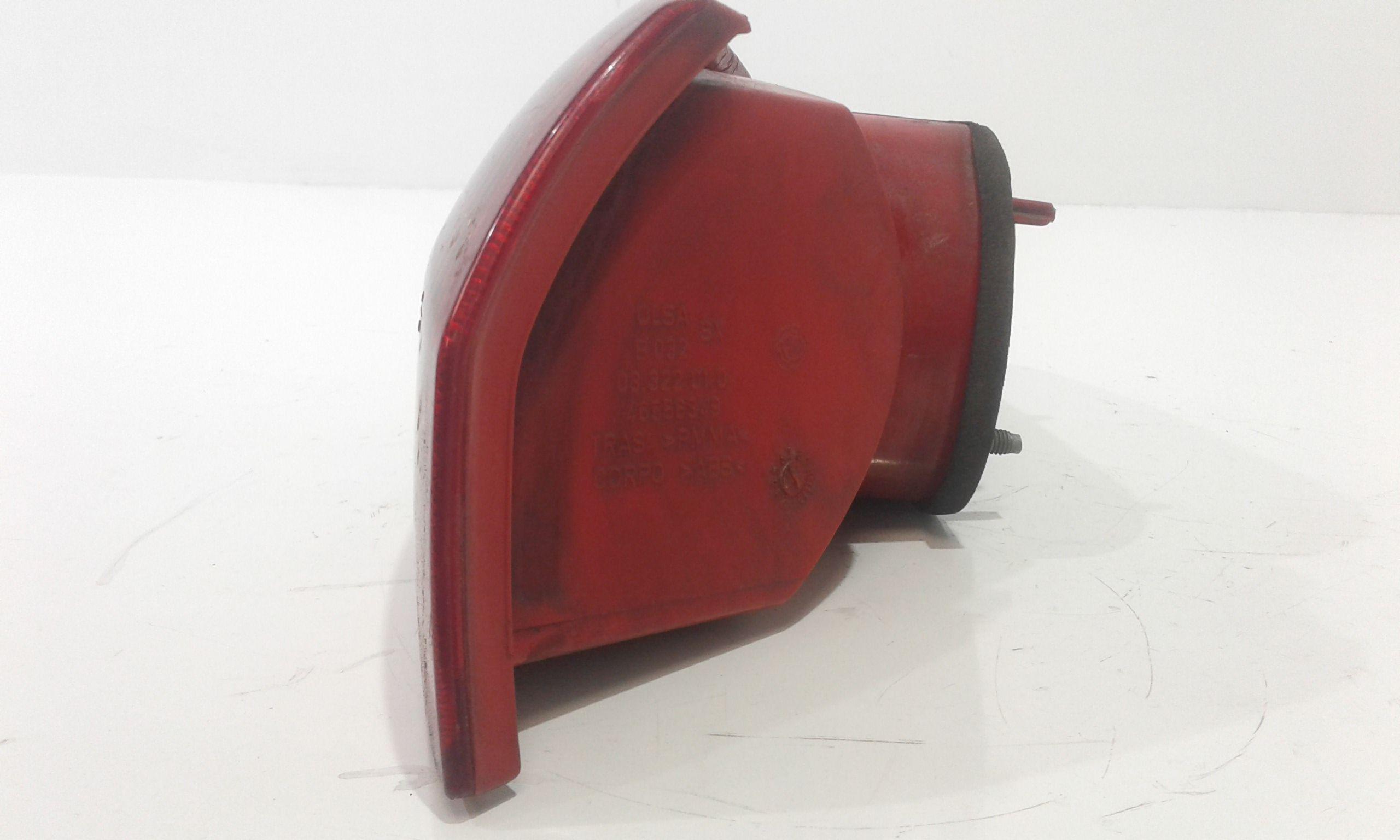 46556349 STOP FANALE POSTERIORE SINISTRO LATO GUIDA ALFA ROMEO 147 1°  Serie  Diesel    (2001) RICAMBI USATI