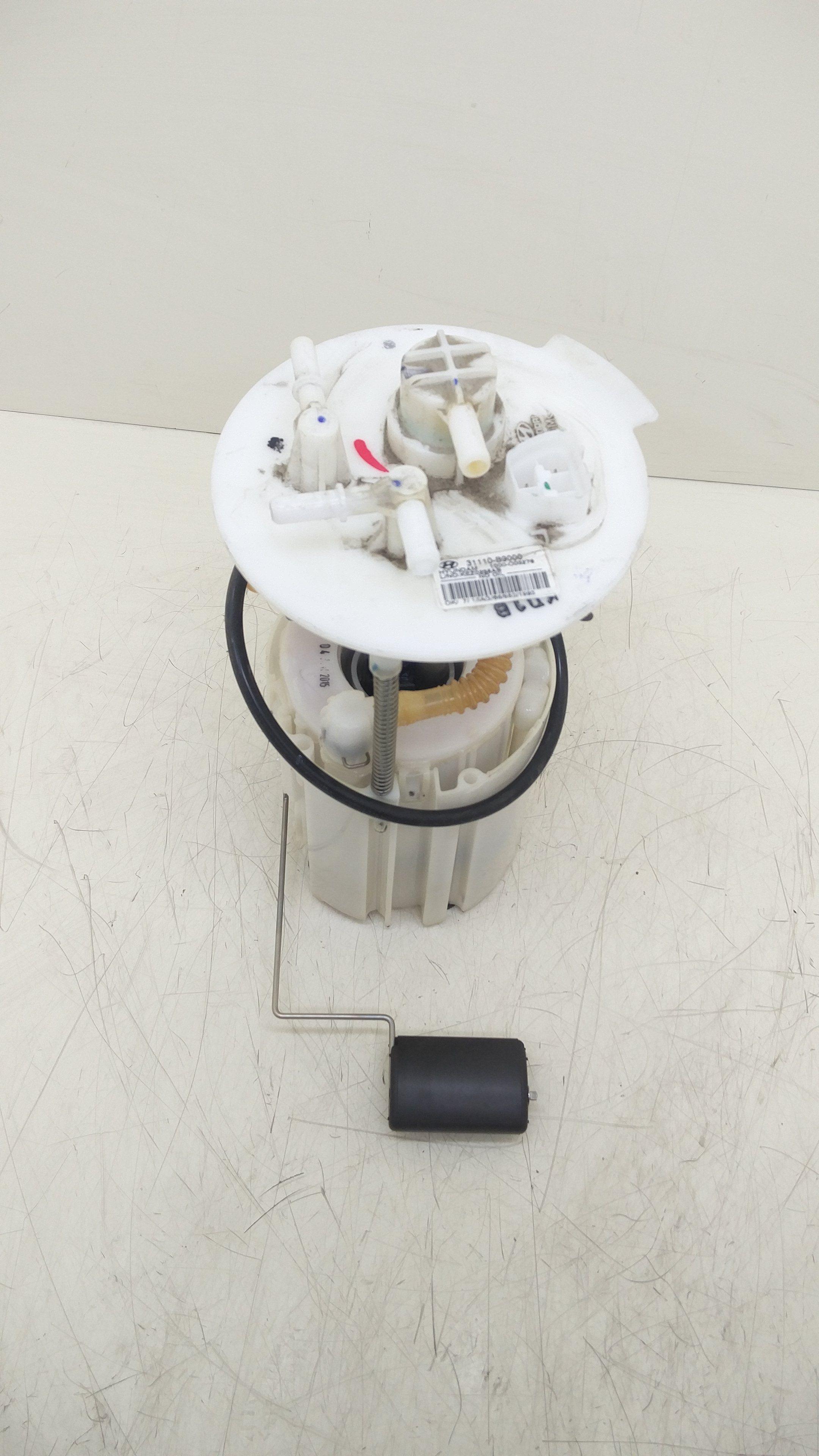 31110b9000 POMPA CARBURANTE HYUNDAI i10 2° Serie 1000 Benzina  (2011) RICAMBI USATI