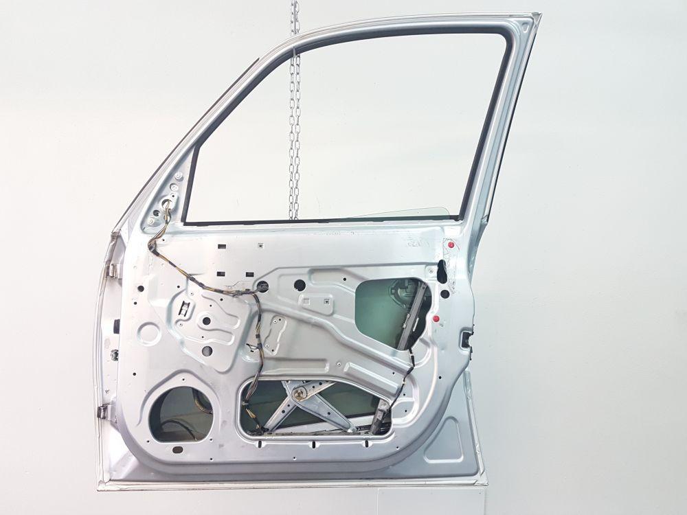 13217431 PORTIERA ANTERIORE DESTRA OPEL Meriva 2° Serie 1700 Diesel Z17DTH 323.000 Km 74 Kw (2007) RICAMBI USATI