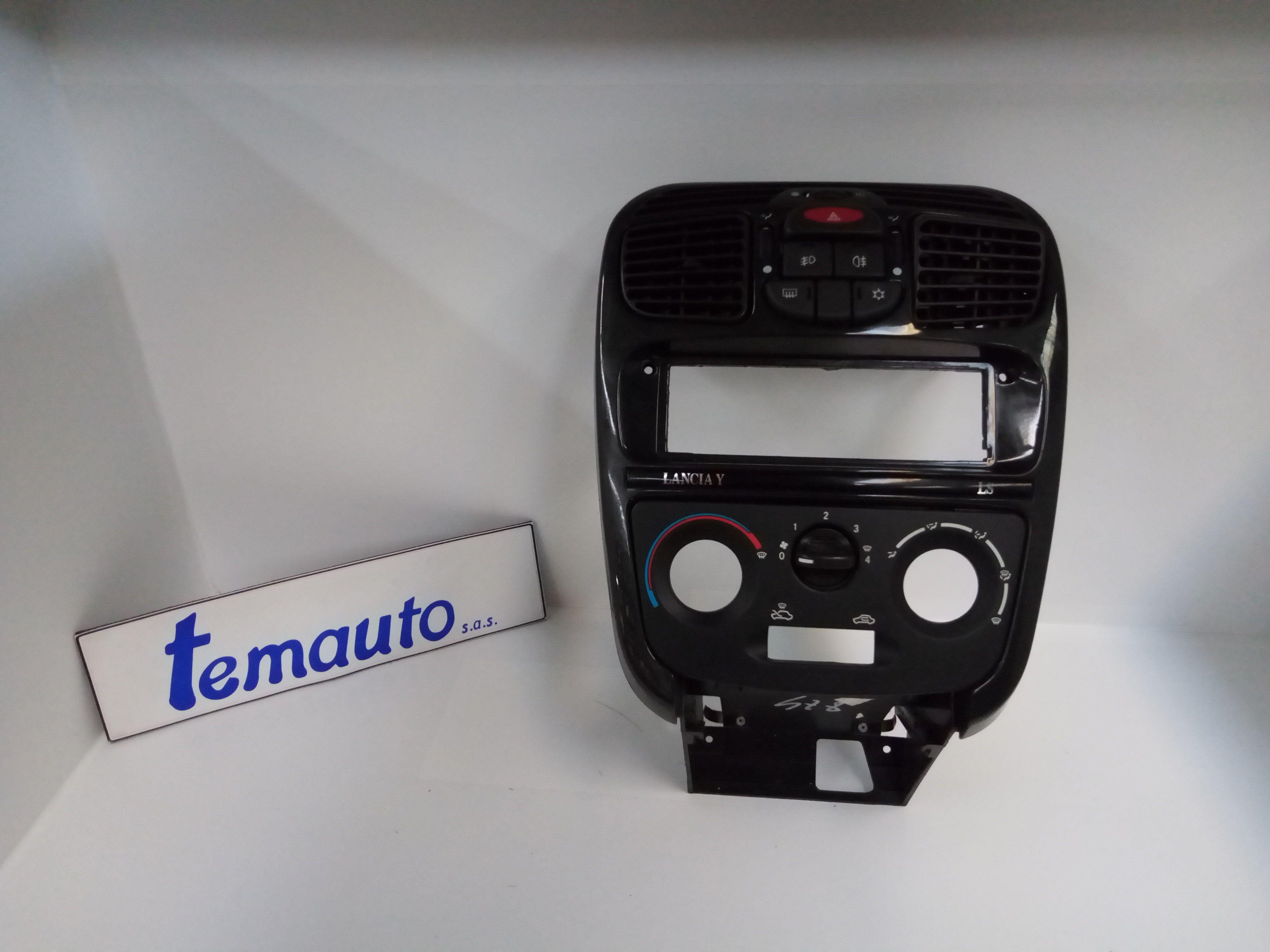 COMPLETO DI CORNICE BOCCHETTE ARIA CRUSCOTTO LANCIA Y Serie 1200 Benzina    (2001) RICAMBI USATI
