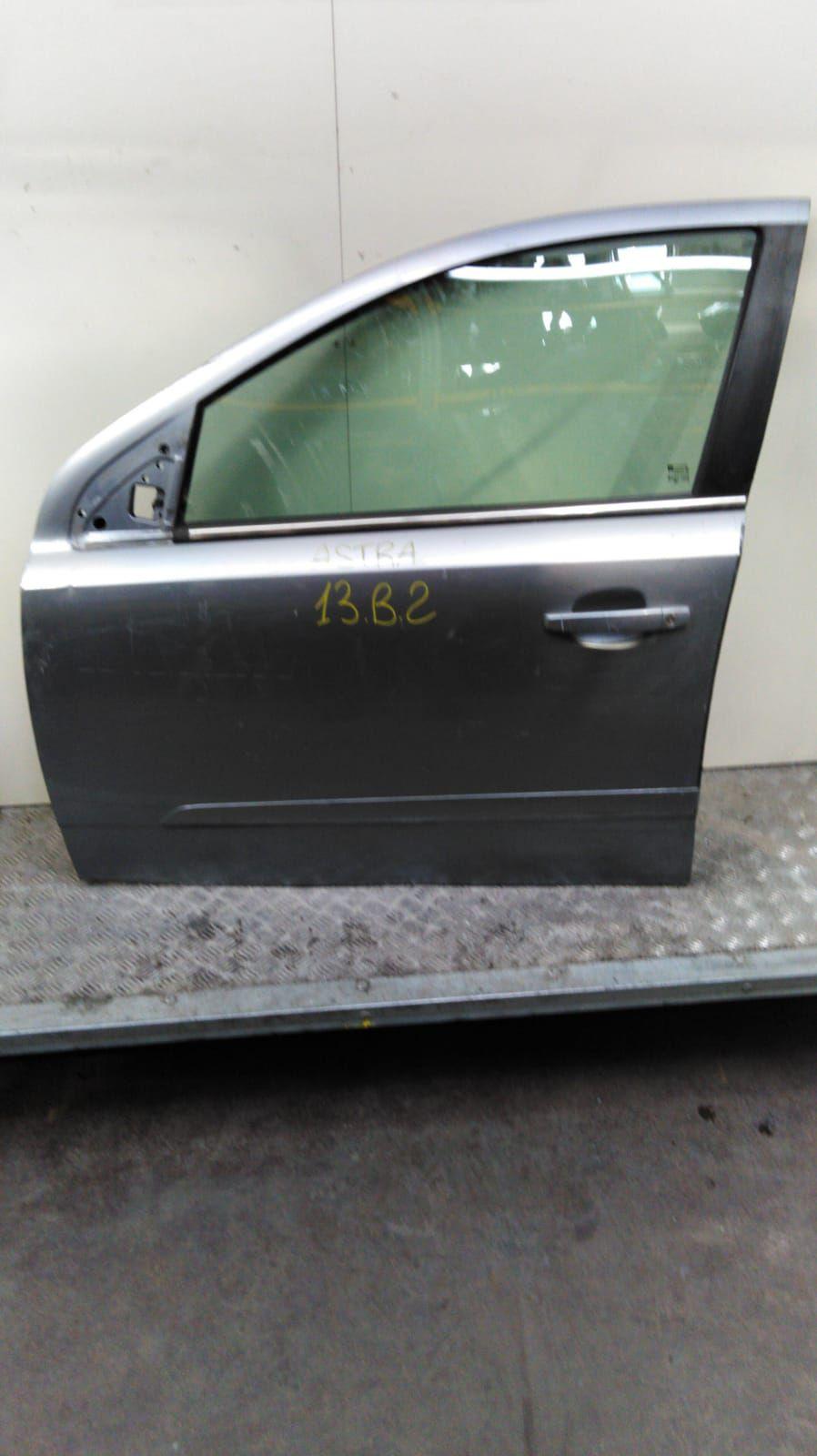 PORTIERA ANTERIORE SINISTRA OPEL Astra H Berlina 1700 Diesel  (2006) RICAMBI USATI