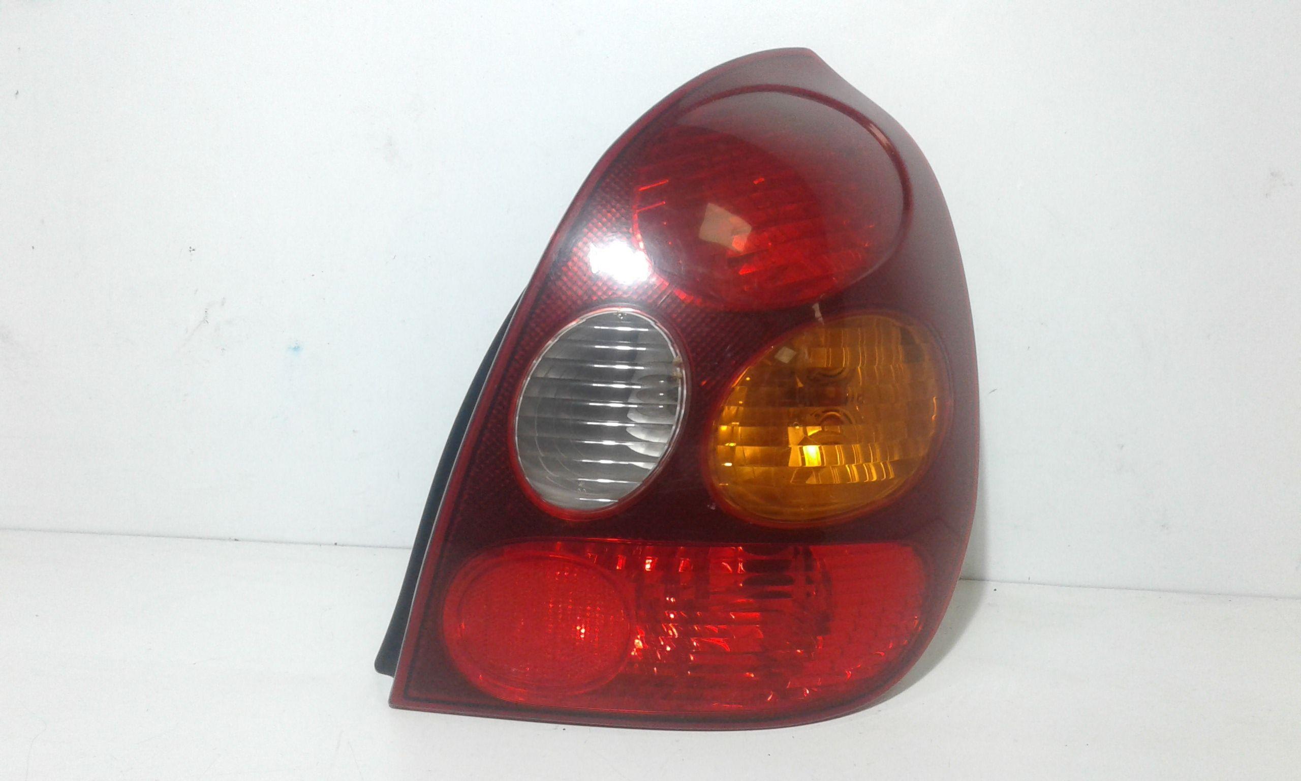 STOP FANALE POSTERIORE DESTRO PASSEGGERO TOYOTA Corolla Berlina 3° Serie 3-5P Benzina  (2002) RICAMBI USATI