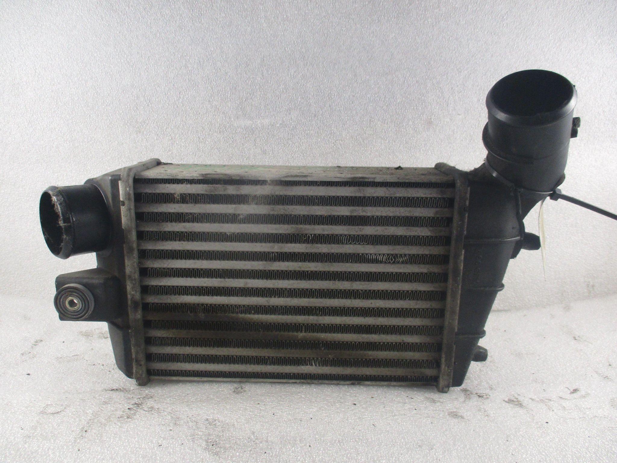 1.9 jtd -937a2000- 2002 INTERCOOLER ALFA ROMEO 147 1°  Serie 1900 Diesel 937A2000 85 Kw  (2002) RICAMBI USATI