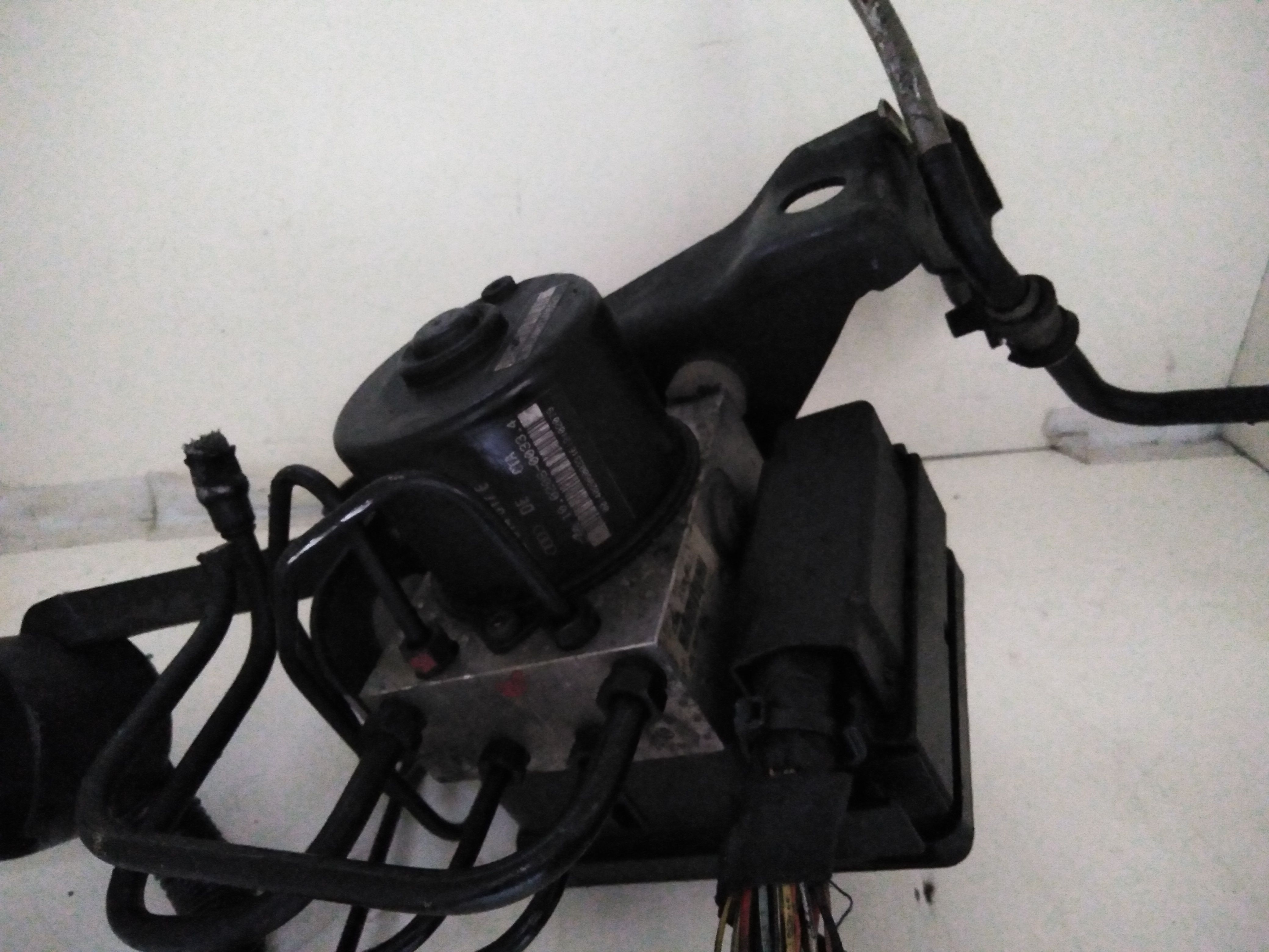 8z0907379c ABS AUDI A2 Serie (8Z) 1400 Benzina  (2000) RICAMBI USATI