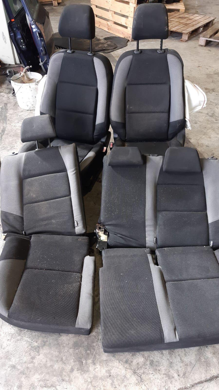 TAPPEZZERIA COMPLETA PEUGEOT 207 1° Serie Benzina  (2008) RICAMBI USATI