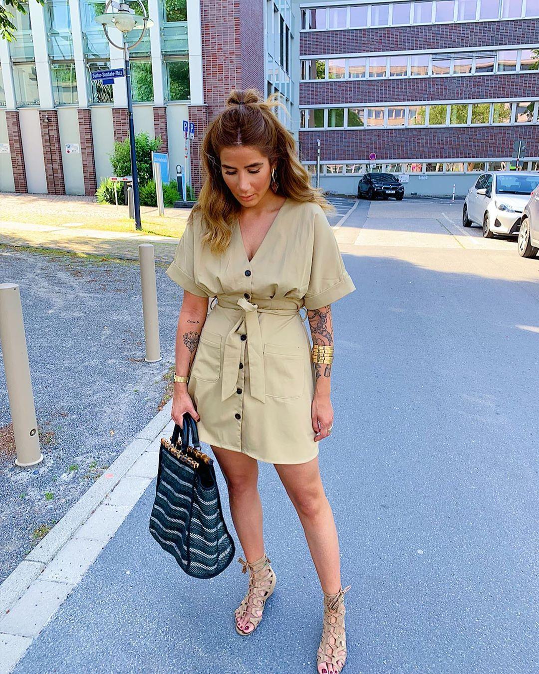 dress with buttons and pockets de Zara sur tataass_
