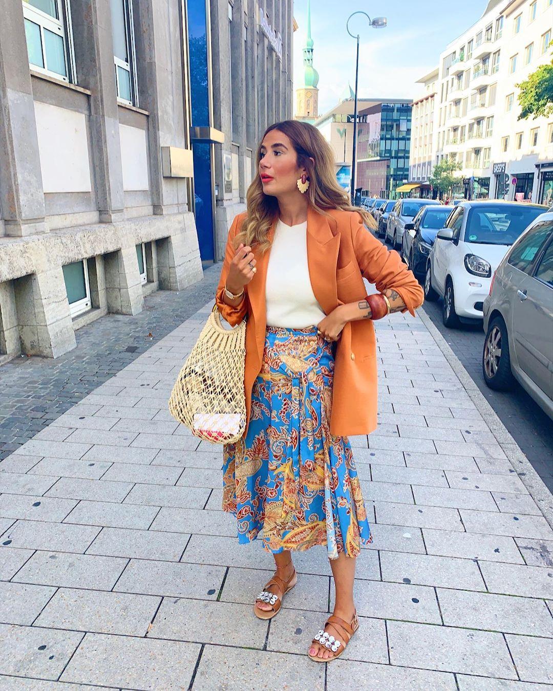 printed skirt with bow de Zara sur tataass_