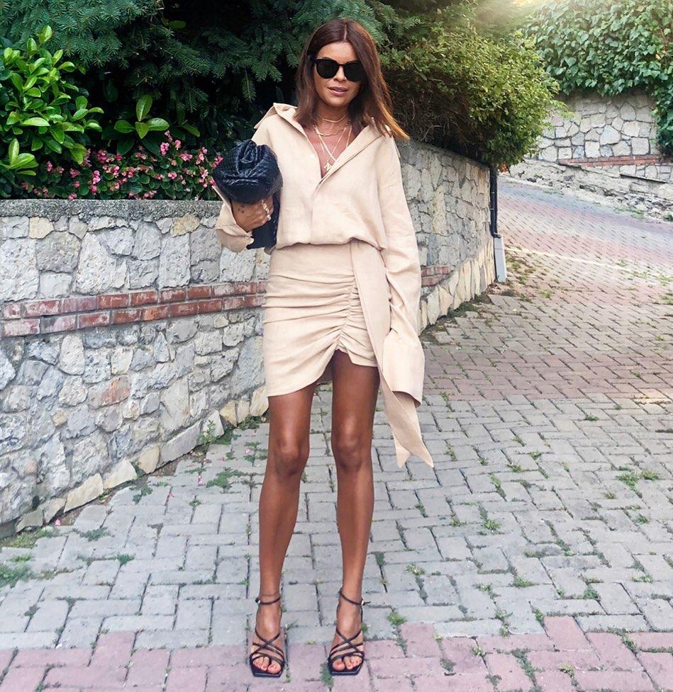 square toe leather heel sandals de Zara sur nazifeeozcan