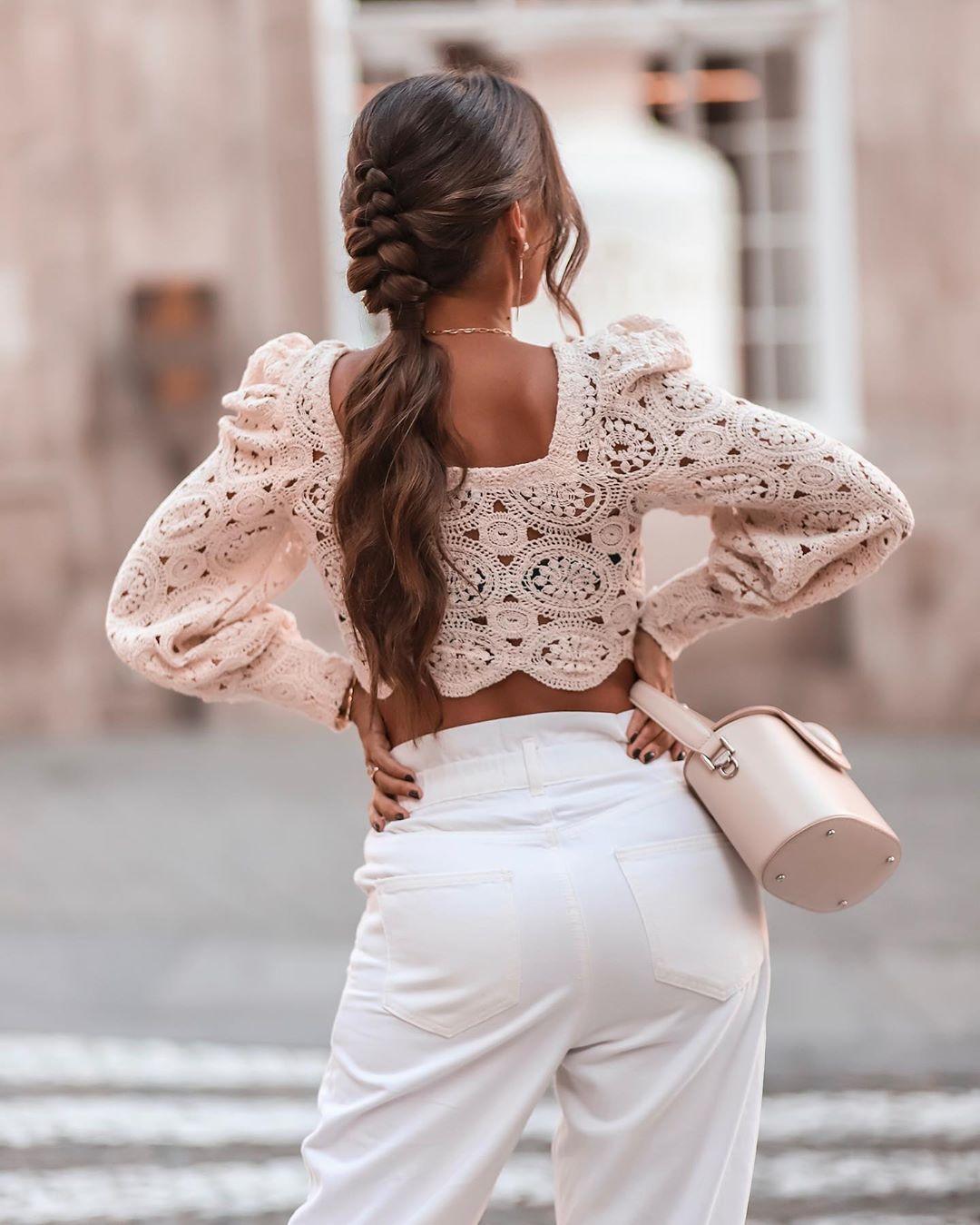 puff sleeve structured top de Zara sur joanavaz_