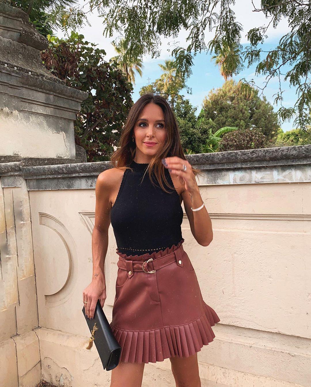 pleated synthetic leather mini skirt de Zara sur rocio0sorno