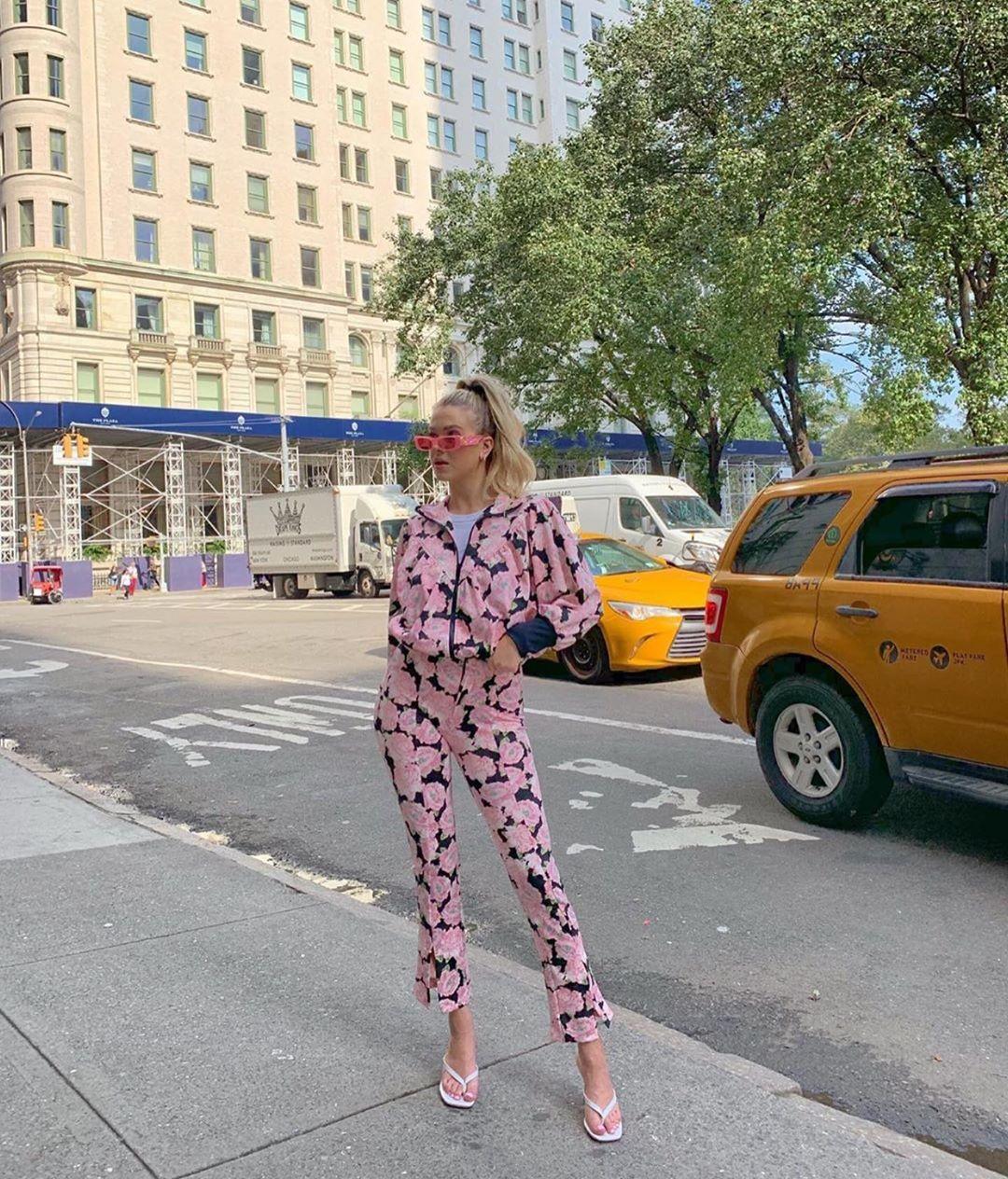 floral print bomber jacket de Zara sur zarastreetstyle