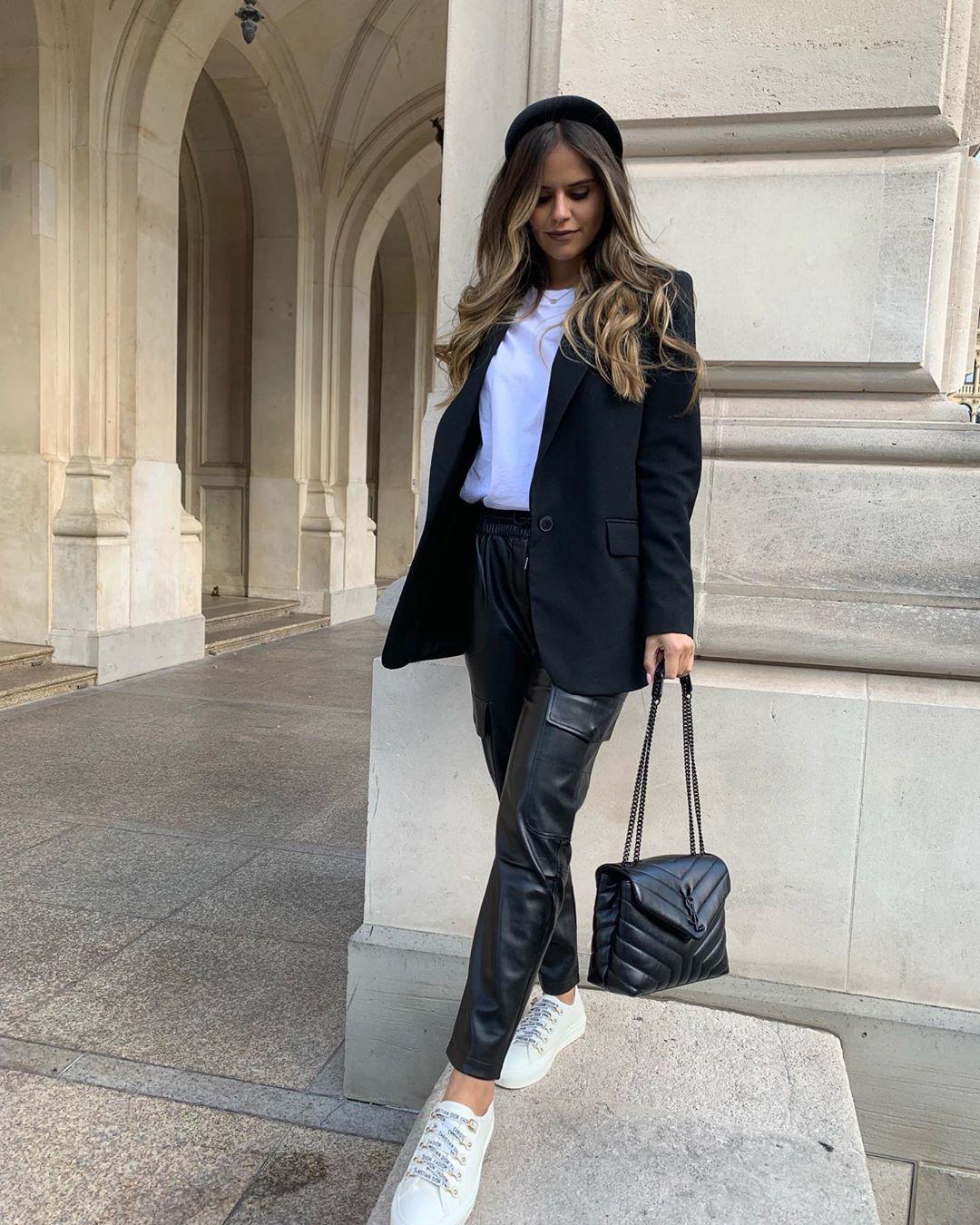 synthetic leather cargo pants de Zara sur ezgilkyaz