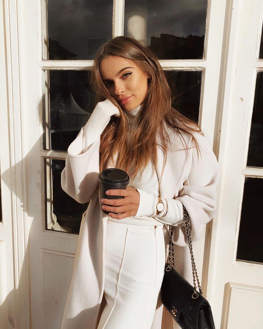 manteau à ceinture de Zara sur jodielapetitefrenchie