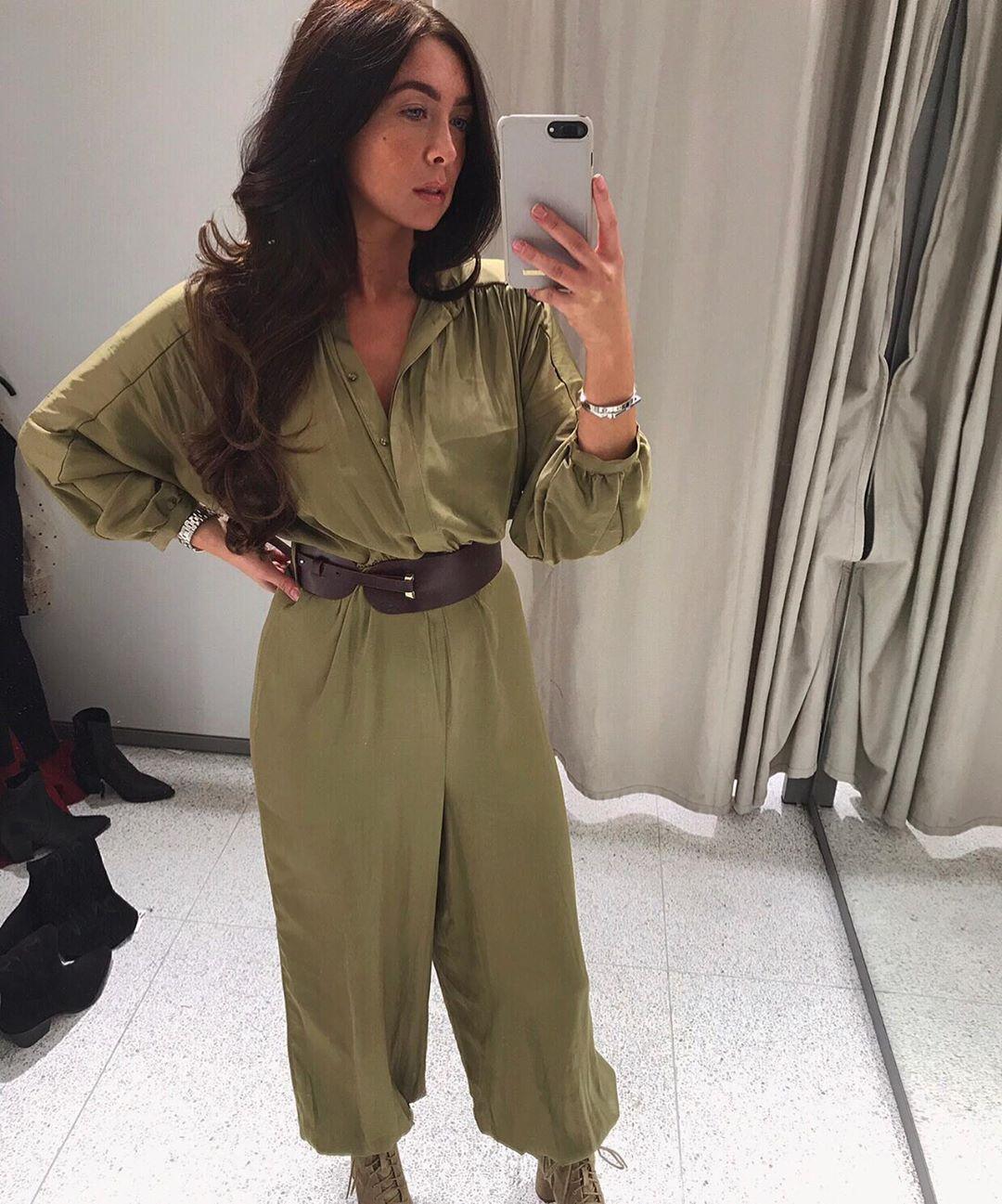 satin jumpsuit with belt de Zara sur courtbyafeather