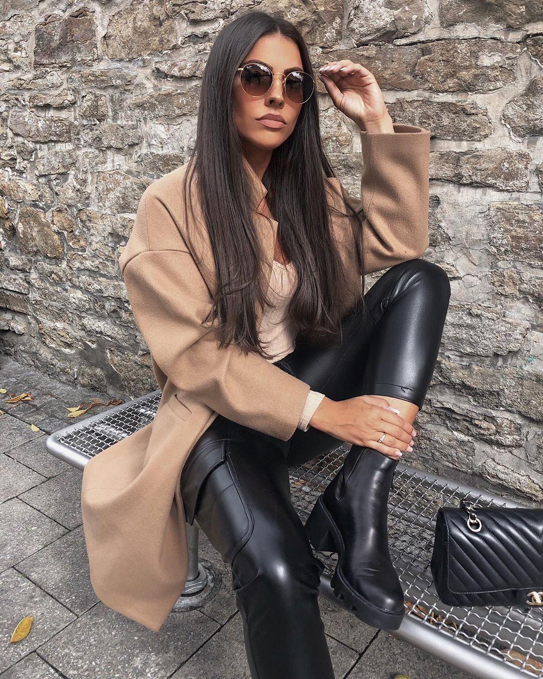 synthetic leather cargo pants de Zara sur rominaluciia