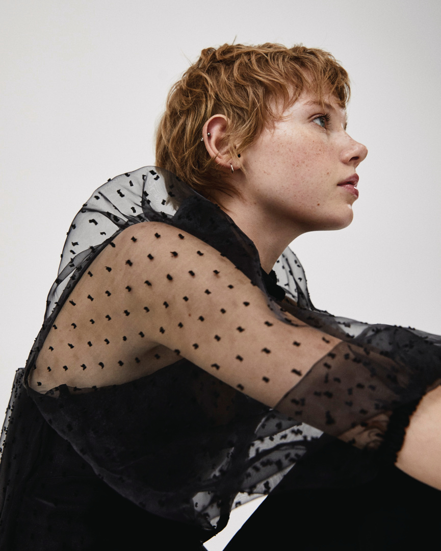 plumetis shirt with ball sleeves de Pull and Bear sur pullandbear