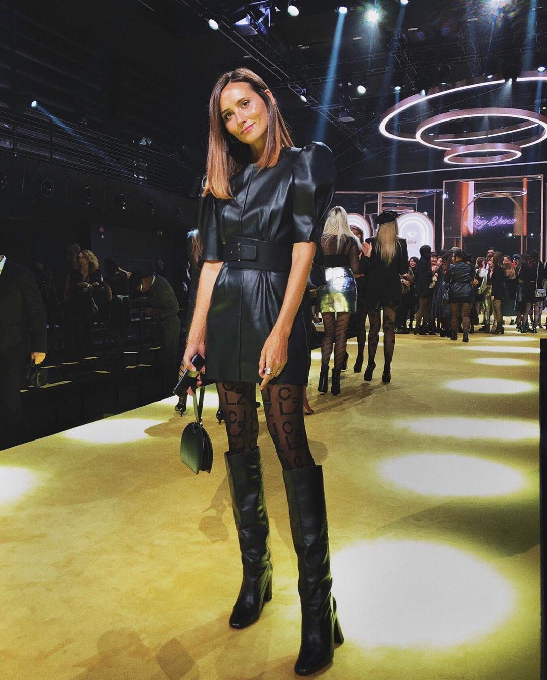 synthetic leather dress de Zara sur coohuco