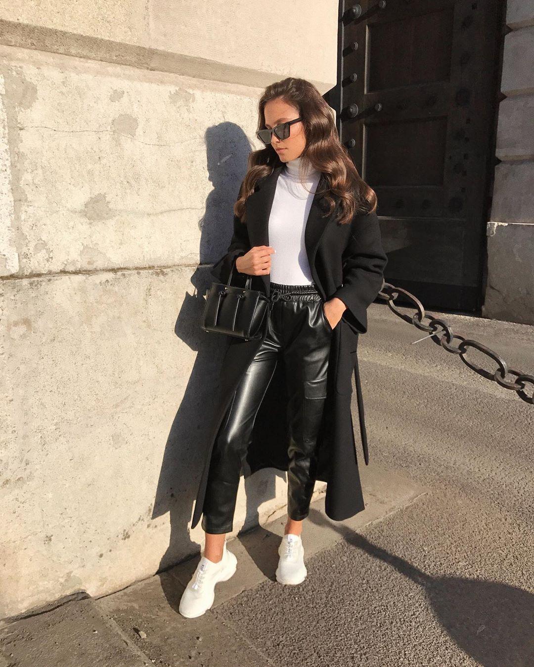 synthetic leather cargo pants de Zara sur majamarko7