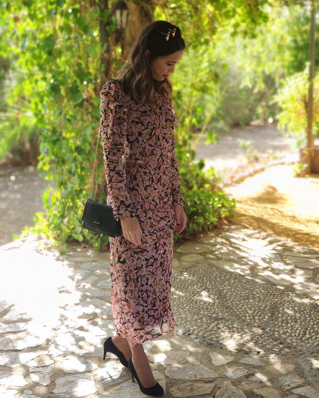 dress with floral print de Zara sur amandaborrero