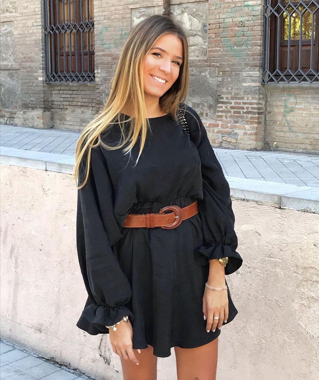 robe satinée à volume de Zara sur zara.outfits